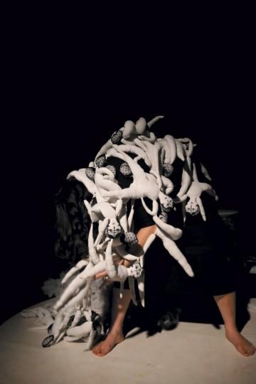 L'Ivresse des Profondeurs, spectacle de Sayeh Sirvani, photo : Coraline Charnet