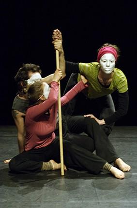 Stage d'été dirigé par Claire Heggen à l'Institut - photo Christophe Loiseau (2007)